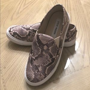 Fantastic condition Steve Madden sneakers